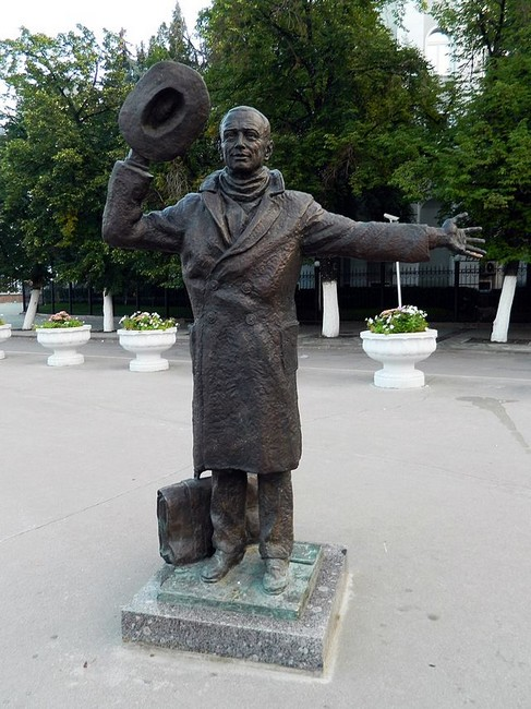 Памятник сухову в самаре фото