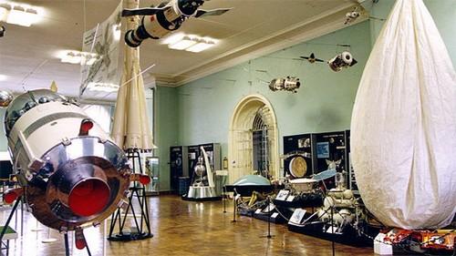 Экспонаты Политехнического музея в Москве