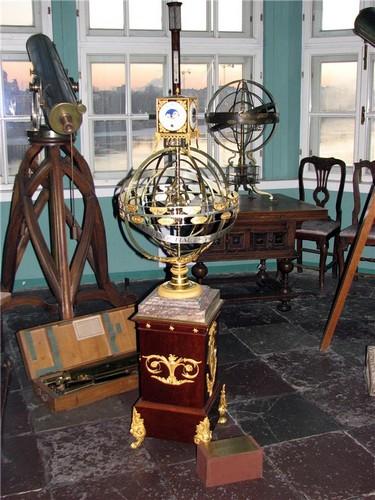 Коллекция телескопов 18 века - Кунсткамера в Санкт-Петербурге