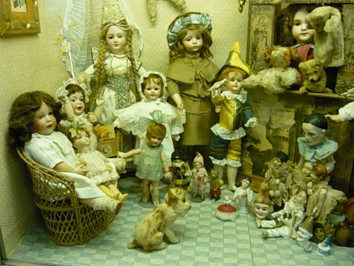 Красивая коллекция кукол