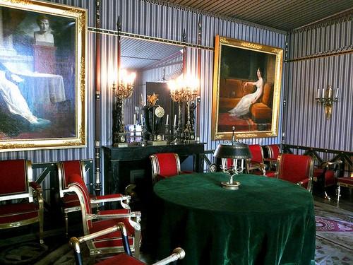 Одна из красивейших комнат музея Мальмезон