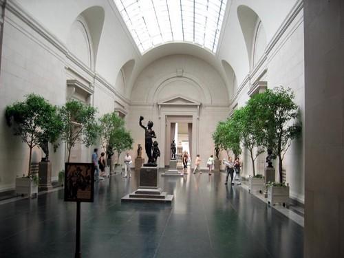 Один из залов национальной галереи Вашингтона