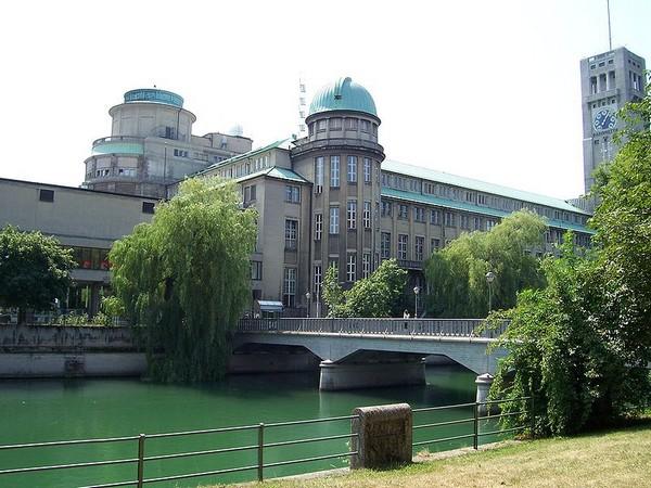 Немецкий музей с другого ракурса