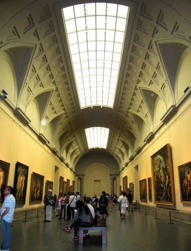 Зал в музее Прадо