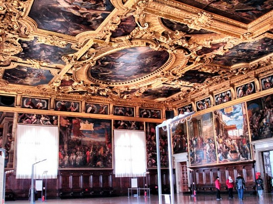 Один и залов музея Венеции 18 века