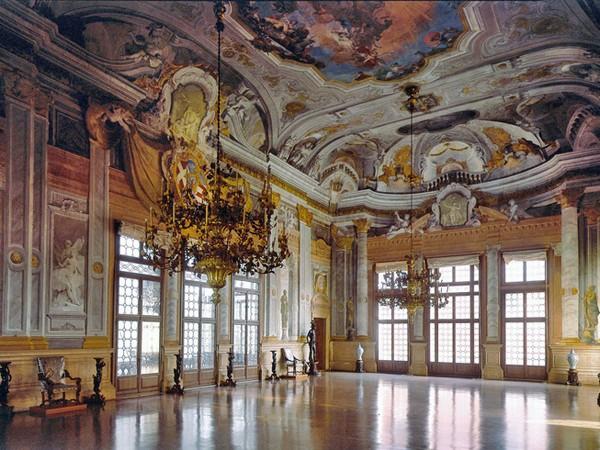 Бальный зал музея Венеции