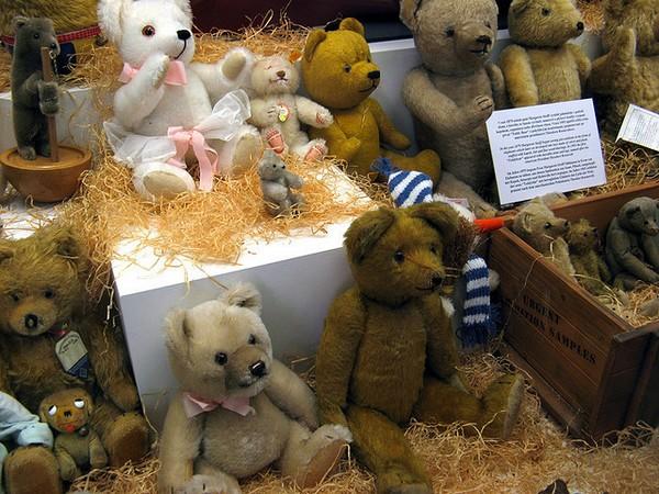 Плюшевые мишки в пражском музее игрушек