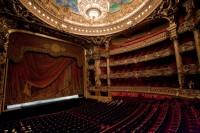 Зрительный зал в Лувре