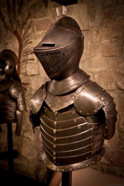 Рыцарский доспех в музее Арсенал - Львов