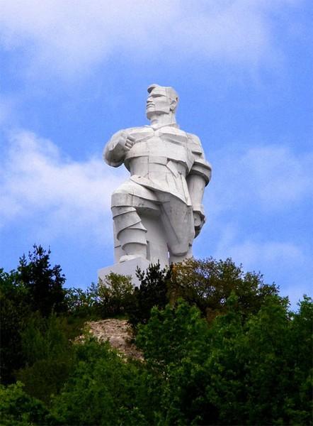 Памятник Федору Сергееву