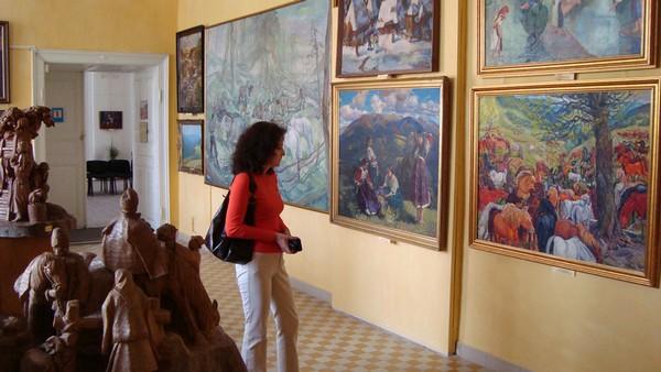 В одном из залов Закарпатского областного художественного музея