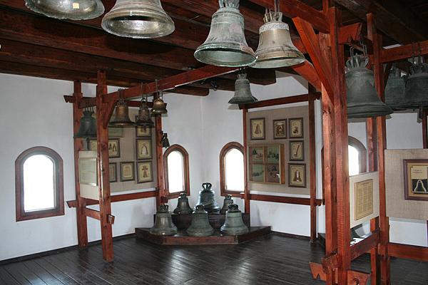 Зал с колоколами