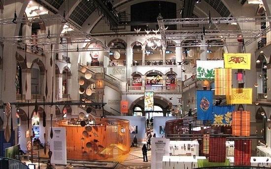 Музей тропиков, внутри