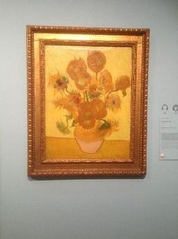 Оригинал картины Подсолнухи находится в музее Ван Гога, в Амстердаме