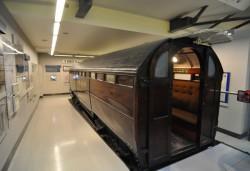 Первый в мире вагон метро без окон