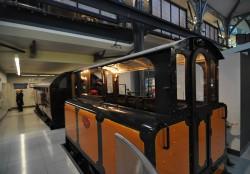 Первый в мире локомотив метро