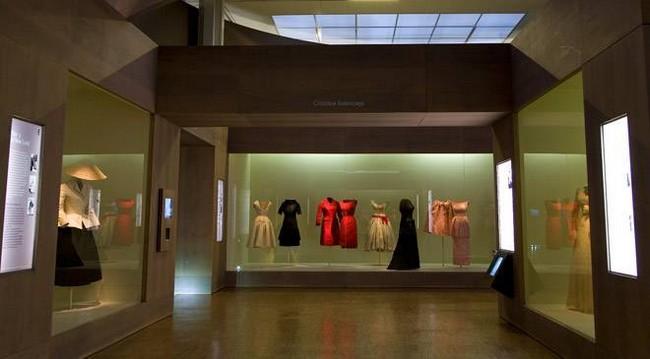 Выставка костюмов в музее