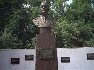 Бюст Николая Кузнецова в Самаре
