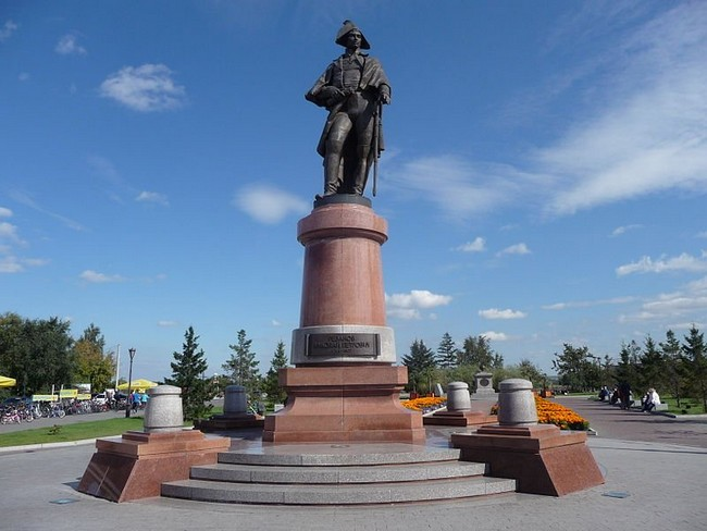 Памятник Камергеру Резанову