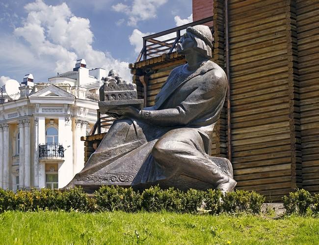 Скульптура Ярослава Мудрого