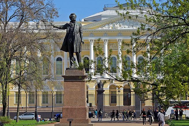 Памятник Пушкину, Санкт-Петербург, автор Аникушин