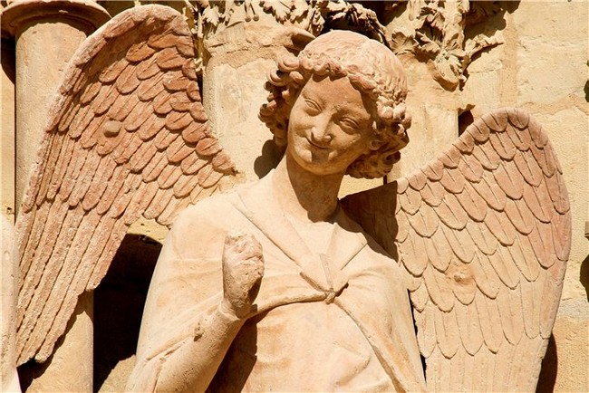 Скульптура Улыбающегося ангела