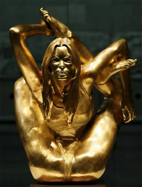 Скульптура Кейт Мосс