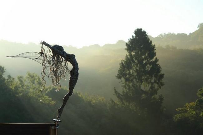 Робин Уайт, скульптура феи
