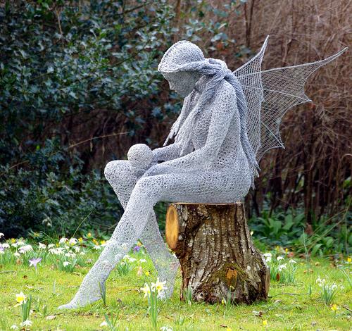 Дерек Кинзетт, скульптура ангела