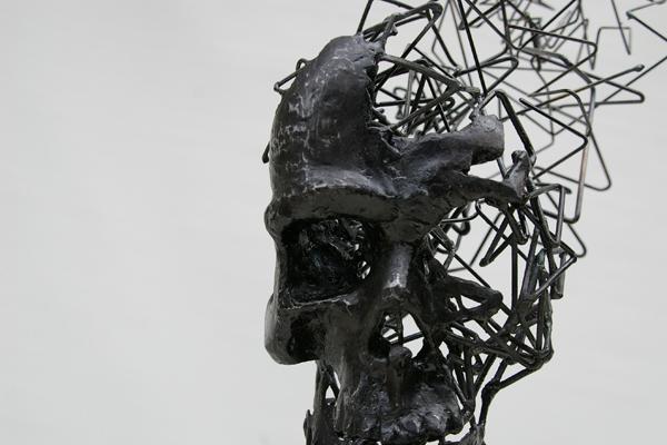 Томохиро Инаба, череп из проволоки
