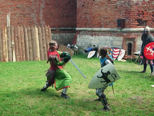 Представление - битва на мечах