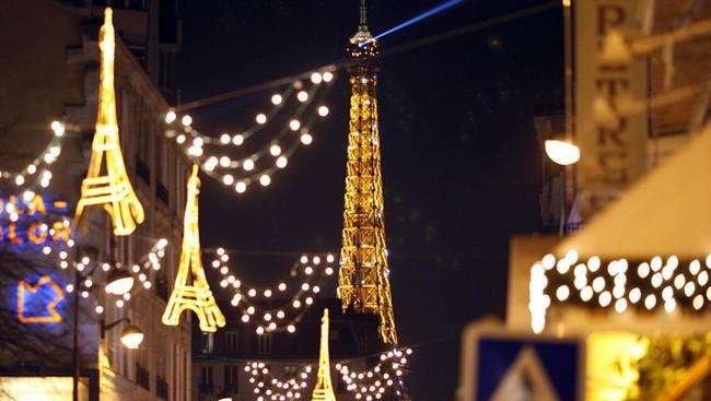 Париж в декабре: скидки, иллюминация, глинтвейн и духовная музыка