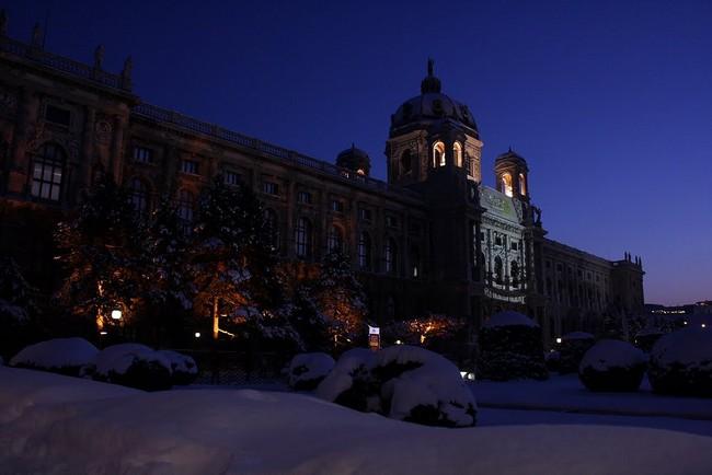 Музей истории искусств, Вена - зима, ночь