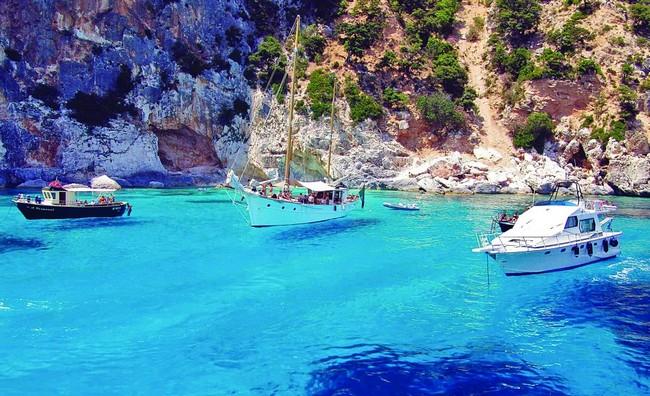 Остров Сардиния в декабре, Италия