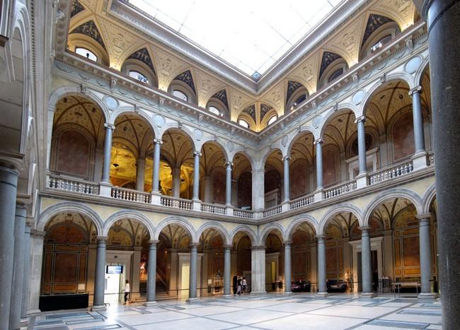 Внутри музея прикладного искусства, Вена