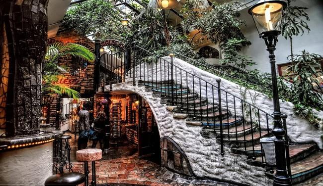Лестница, дом Хундертвассера