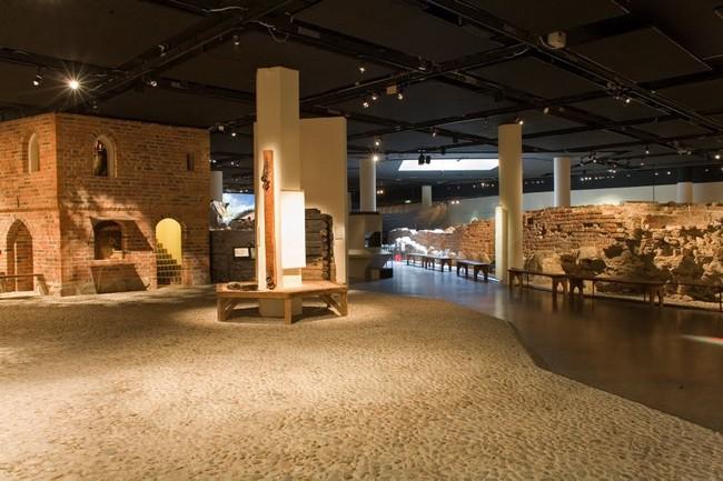Внутри музея Средневековья, Стокгольм