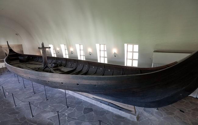 Гокстадский корабль, вид сбоку