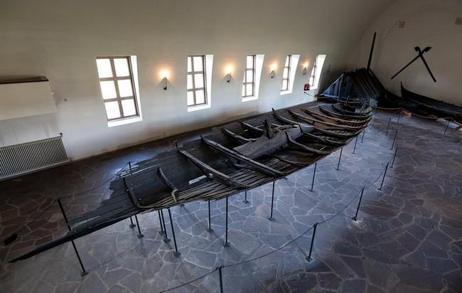 Тюнский корабль